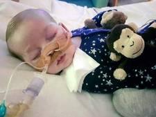 Ouders geven strijd op: 'Het is te laat voor baby Charlie'
