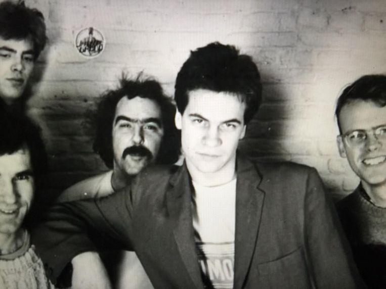 Frank Ketelaar als gitarist van de Jan van de Grond Groep in 1979. Beeld