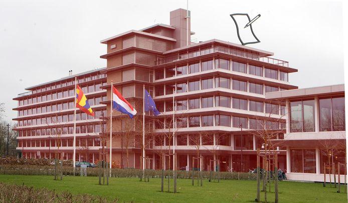 Provinciehuis Overijssel is in deze regio op 11 augustus het eerste doelwit van de landelijke actie die is opgezet door de Vereniging Technisch Toeleveranciers Evenementen. Zij vragen op die dag aandacht voor de nijpende situatie in de evenementenbranche .