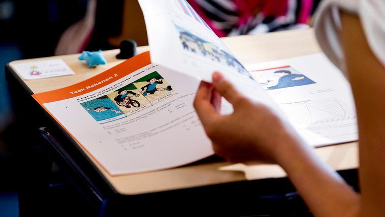 De leerlingen krijgen een jaar een coach toegewezen die hen elke schooldag een uur les komt geven Beeld anp
