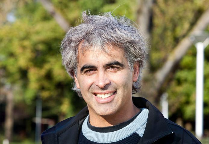 Larry Suarez.