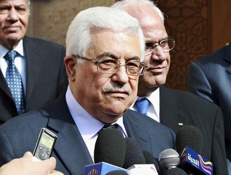 Abbas staat de media te woord na zijn gesprek met koning Abdullah. Beeld reuters