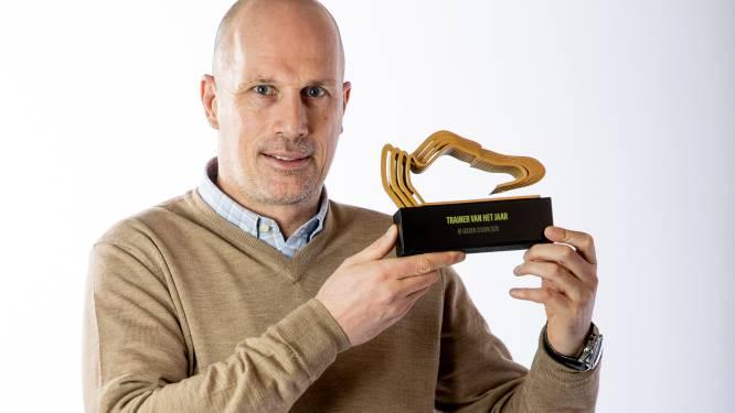 """Philippe Clement volgt zichzelf op als Trainer van het Jaar: """"Lat lag hoger, dus ik had deze trofee minder verwacht"""""""