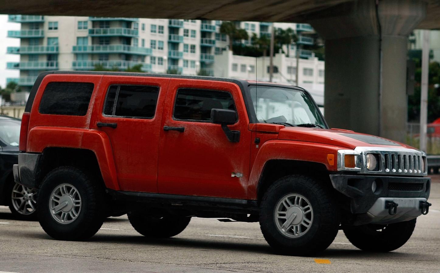 De oorspronkelijke Hummer, 2 meter hoog en 4000 kilogram zwaar, verbruikte tot meer dan 20 liter benzine per 100 kilometer.
