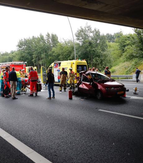 Man (19) uit Nuenen aangehouden voor ongeluk op A50 bij Eindhoven waar Bulgaar (42) bij om het leven kwam