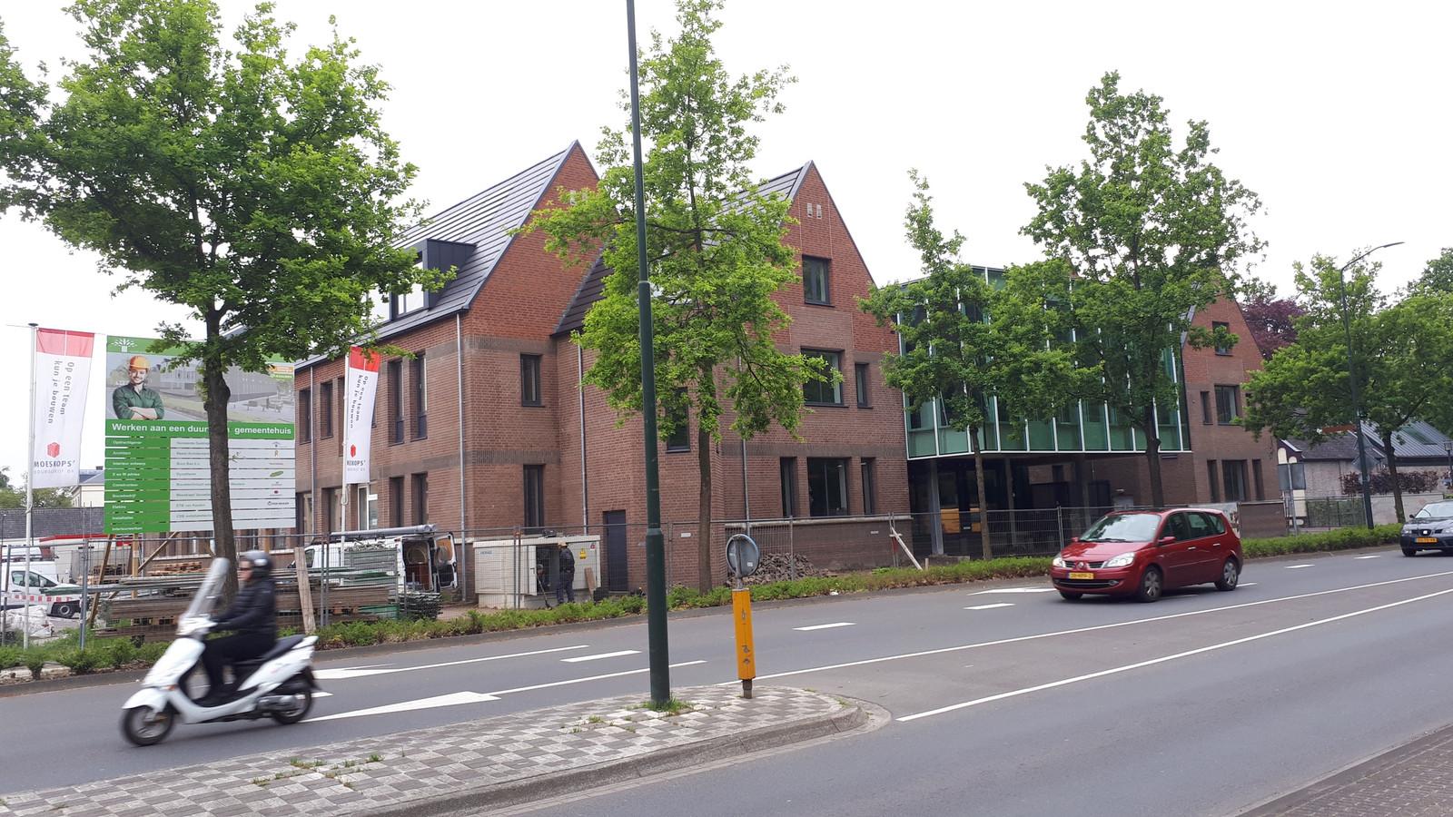 Nieuwbouw bij gemeentehuis Geldrop(-Mierlo).