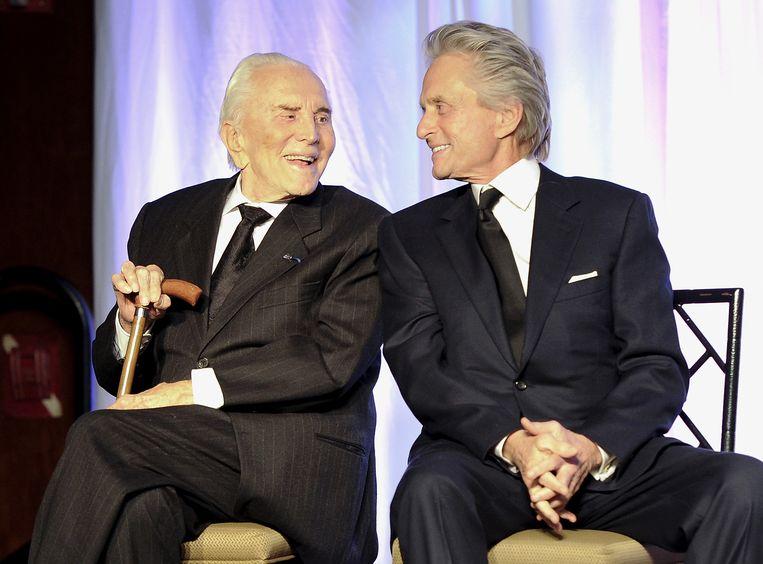 Michael Douglas (rechts) en zijn vader Kirk Douglas.