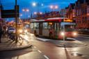 Bussen bij de ovonde op het Julianaplein