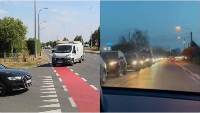"""Verkeer staat muurvast in Sint-Eloois-Vijve door afsluiting Eikenlaan: """"Agentschap Wegen en Verkeer moet beslissing terugdraaien"""""""
