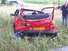 Auto slaat over de kop, bestuurder in ziekenhuis