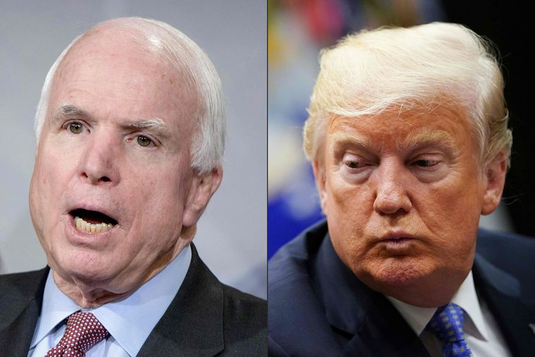 De overleden senator John McCain en president Donald Trump.