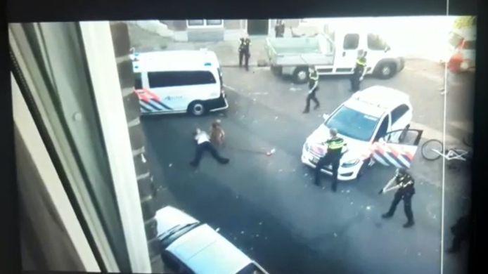 Buurtbewoners filmden de arrestatie