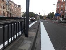 Ovonde van Julianaplein nu al aangepast: verkeersborden verplaatst, hekje en markeringen weg