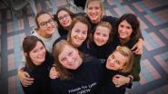 """Sien vecht al tien jaar tegen lyme: """"Vriendinnen houden loop-, eet- en danstreffen om mijn strijd tegen ziekte te ondersteunen"""""""