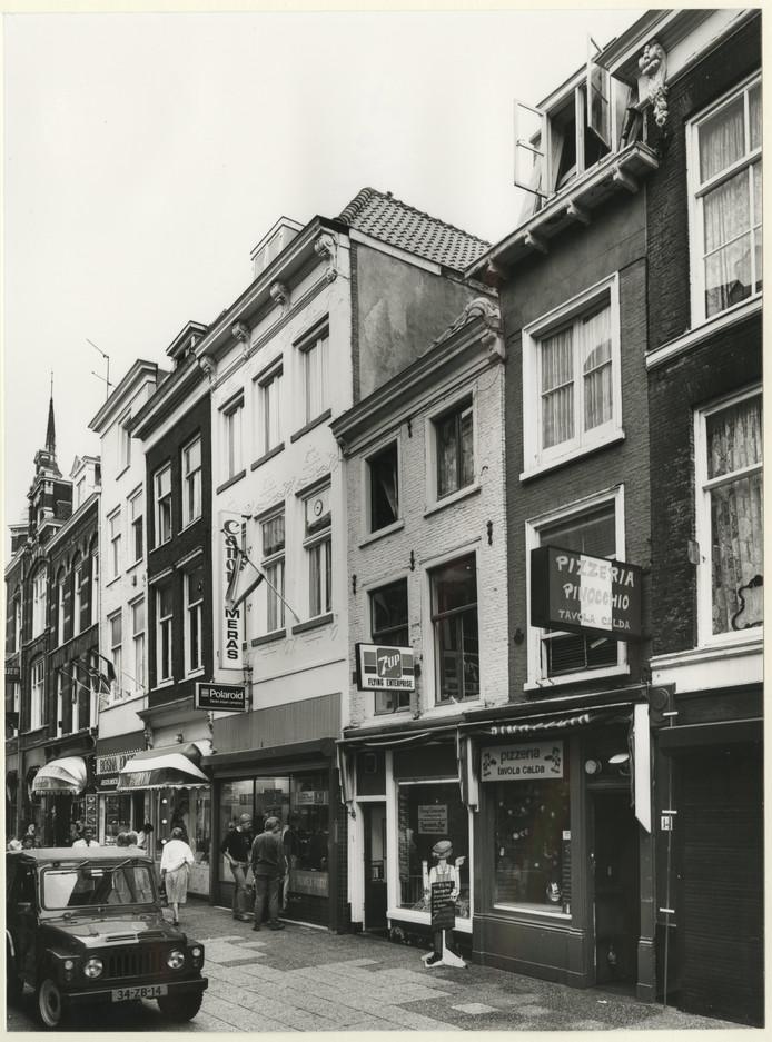 Broodjeszaak Flying Enterprise in 1983.