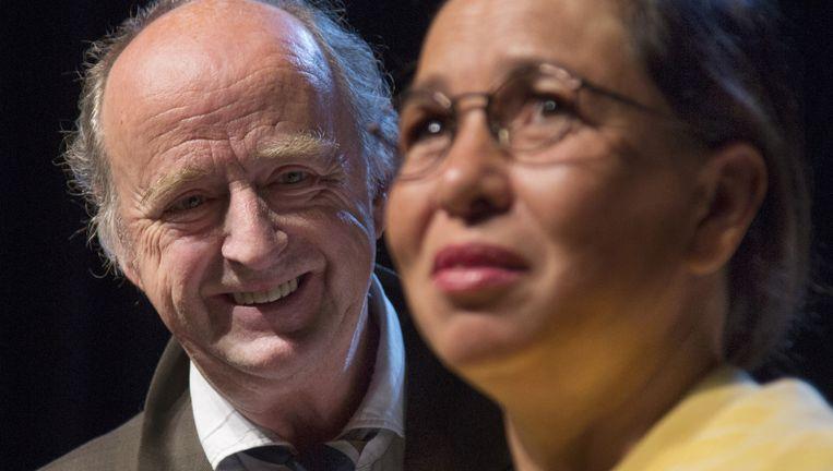 Kees Hulst (L) en Esther Scheldwacht (R) als Leo en Tineke Vroman in 'Hoe Mooi Alles'. Beeld Piek
