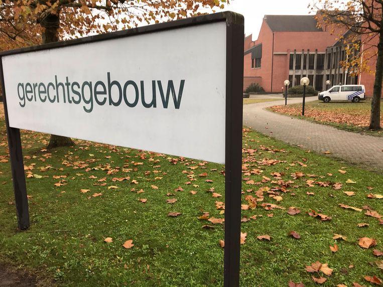 De man werd gestraft in de rechtbank van Brugge.