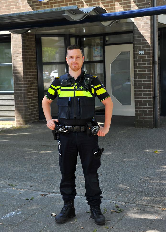 Politieman Willem Moonen uit Best merkt dagelijks wat de impact op het politiewerk is van de vaak krappe bezetting.