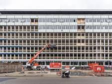 Het oude stadhuis in Almelo is gestript, klaar om omgebouwd te worden: 'Nieuw en duurzaam'