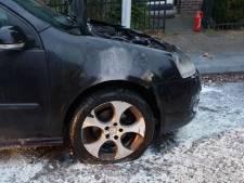 Auto in brand gestoken in Hengelo