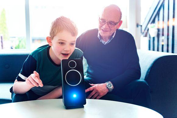 Met een slimme speaker kan je allerlei functies met je stem aansturen.