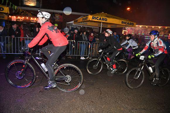 Mountainbike eliminatorrace in Oud-Heverlee aan café De Sortie