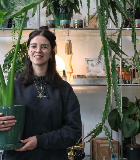 De Monstera Variegata en andere bijzondere planten vind je bij deze groene winkel (en ze hebben er ook koffie)