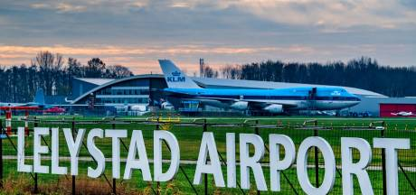 Lelystad subsidieert voorstanders uitbreiding vliegveld