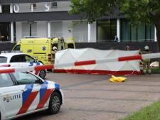 Getuige liquidatie steekt zichzelf ten einde raad in brand voor gemeentehuis Oss en overlijdt