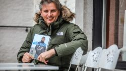 """'Wielerman' Renaat Schotte kijkt na 25 jaar verslaggeving terug: """"Qua levenskwaliteit komen maar weinig steden aan de enkels van Brugge"""""""