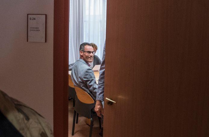 Twan Reintjes, voorzitter van de Gennepse vertrouwenscommissie, vlak voor een vergadering.