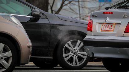 Vlaamse wagens vergroenen, maar CO2-uitstoot daalt minder snel