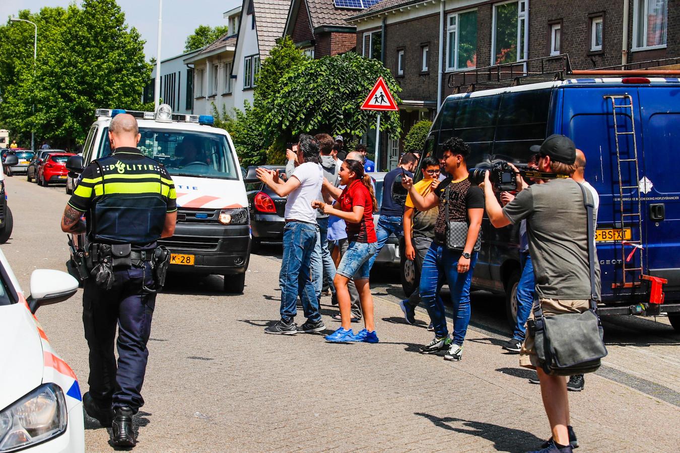 Bakstenen en eieren gegooid naar Pegida in Eindhoven.