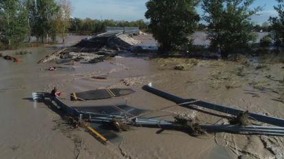 Brug stort gedeeltelijk in door overstromingen in Italië