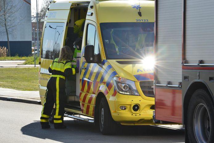 In een flatgebouw aan de Maasdijk woedde zaterdagmiddag een brandje.