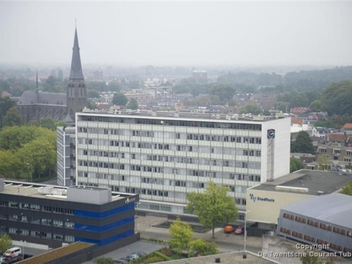 Het oude stadhuis van Almelo staat inmiddels 1,5 jaar leeg