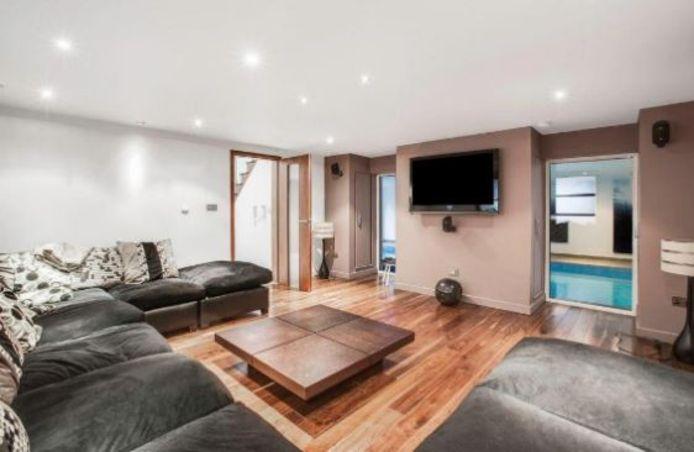 Een van de moderne woonkamers.