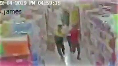 Onthutsende bewakingsbeelden tonen hoe supermarkt in amper enkele seconden instort