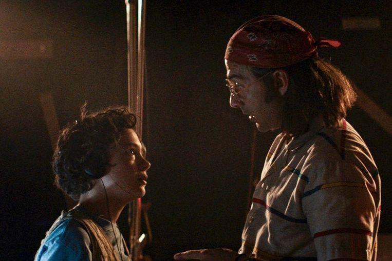 Noah Jupe (links) en Shia LaBeouf in Honey Boy.  Beeld filmstill