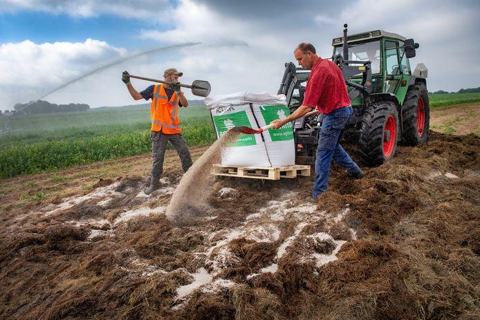 Zo wordt bokashi elders gemaakt: waterschap Rivierenland gaat in Almkerk ook maaisel fermenteren zodat het grondstof wordt.