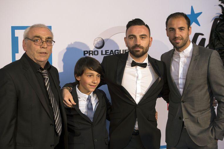 Assistkoning Onur Kaya met zijn familie.