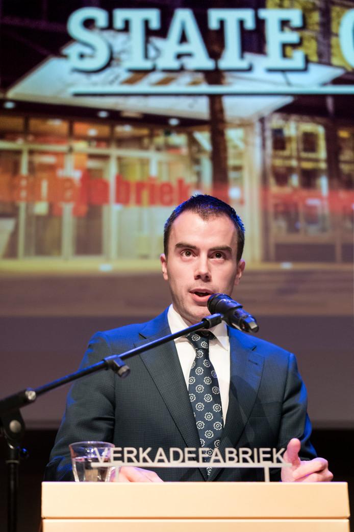 Wethouder Mike van der Geld tijdens zijn rede over cultuur in Den Bosch.