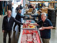 Voedselbank Deventer overstelpt met vrijwilligers, voedsel én donaties