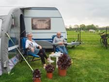 Caravan met sanitairblok in Riel, yurt met ecotoilet in in Alphen: verschil mag er wezen