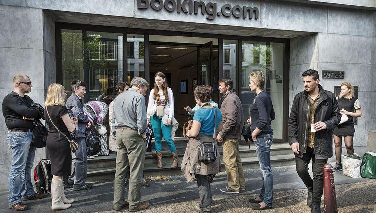 Het hoofdkantoor van Booking.com in Amsterdam. Beeld Guus Dubbelman / de Volkskrant