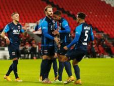 AZ terug in titelrace na zege op PSV door goals Koopmeiners en Stengs