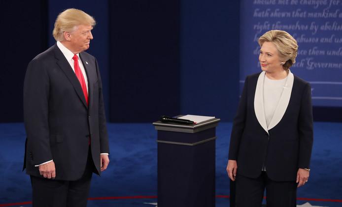 Trump en Clinton tijdens een debat in oktober 2016.