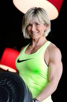 Powervrouw uit Haaksbergen staat jaar na borstamputatie op WK Bodybuilding