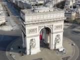Paris ville fantôme: les images d'un drone survolant la capitale française