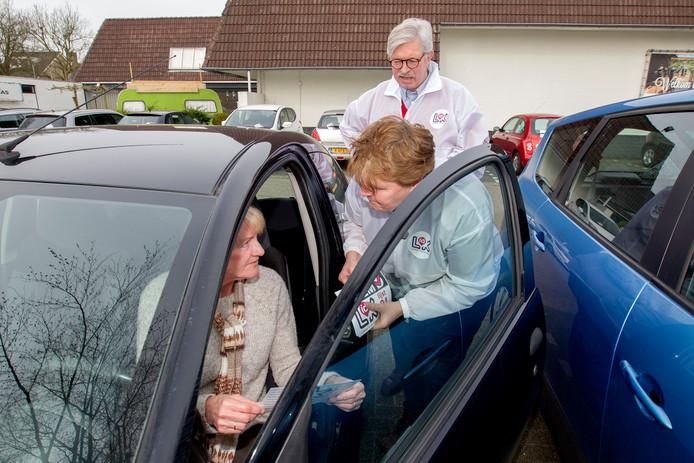 Frank Smit en Ans van der Velde voeren campagne in Eersel.